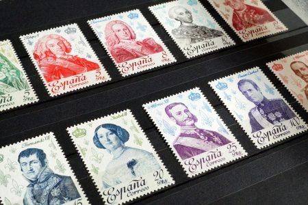 切手の歴史と時代背景